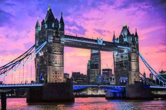 londonglowingbright